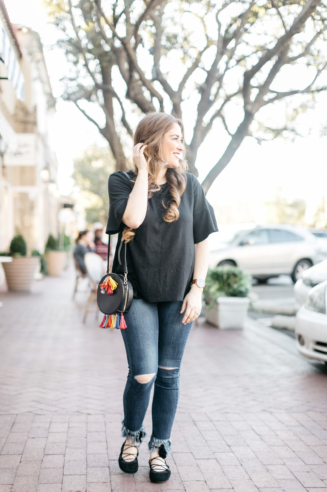 how to accessorize a jeans and tshirt outfit