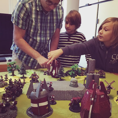 playing Warhammer 40K with Krüger, Hendrik and Joaquín