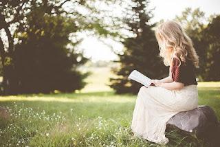 5 Alasan Anda Harus Rutin Membaca Buku