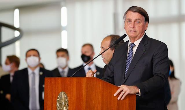 Presidente Bolsonaro fala em estender auxílio emergencial até o final do ano