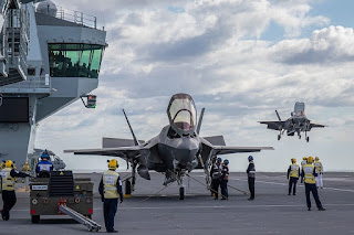 F-35 Mendarat di Kapal Induk Queen Elizabeth
