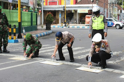 Polres Tulungagung Berlakukan RHK Di Simpang Tiga Pemkab Tulungagung