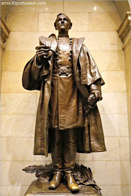 Escultura de William Francis Bartlett por Daniel Chester French en el Massachusetts State House