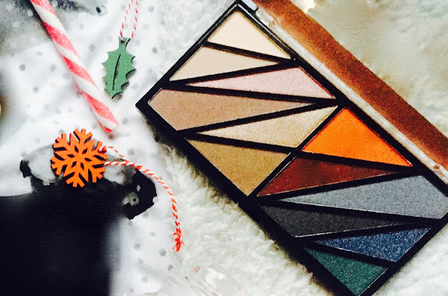 Makeup Revolution #RevoholicEyes Limited Edition Eyeshadow Palette