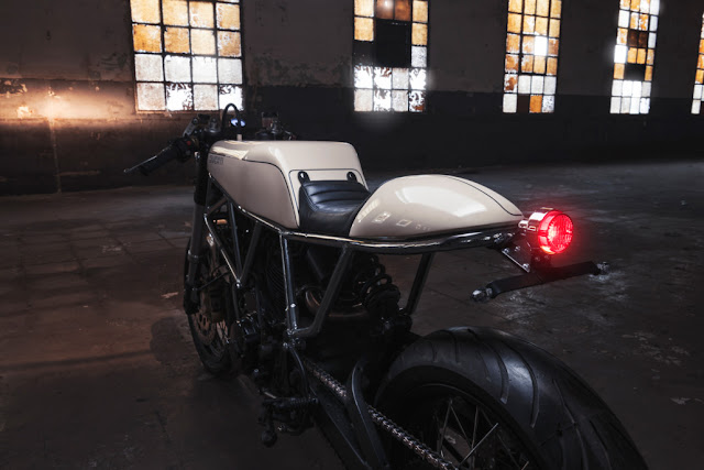 Ad Hoc Ducati 900 SS White Cafe Racer