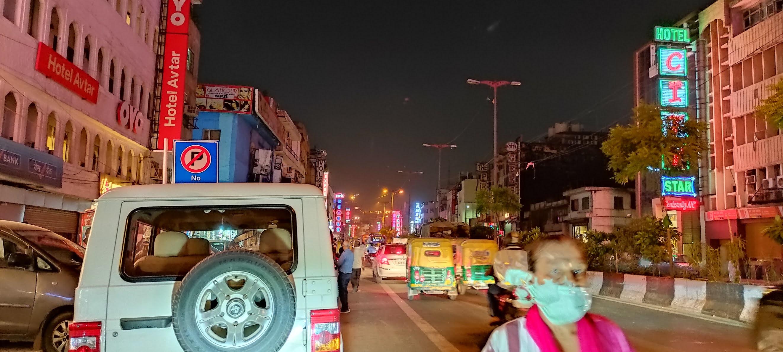 दिल्ली में सोमवार से खुलेंगे रेस्टोरेंट, सैलून और साप्ताहिक बाजार
