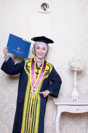 Kebaya Wisuda Mahasiswi Berhijab
