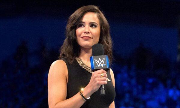 هل تخلت WWE عن خدمات المذيعة تشارلي كاروسو؟ وما هو السبب؟