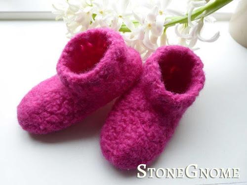 Felting - pink shoes