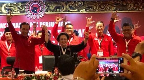 Makin Gencar Kritik Pemerintahan Jokowi, Sekjen PDIP: Mentalnya Terjajah Kepentingan Asing