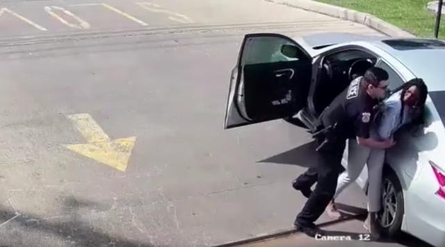 cop arrests a a black women for calling 911