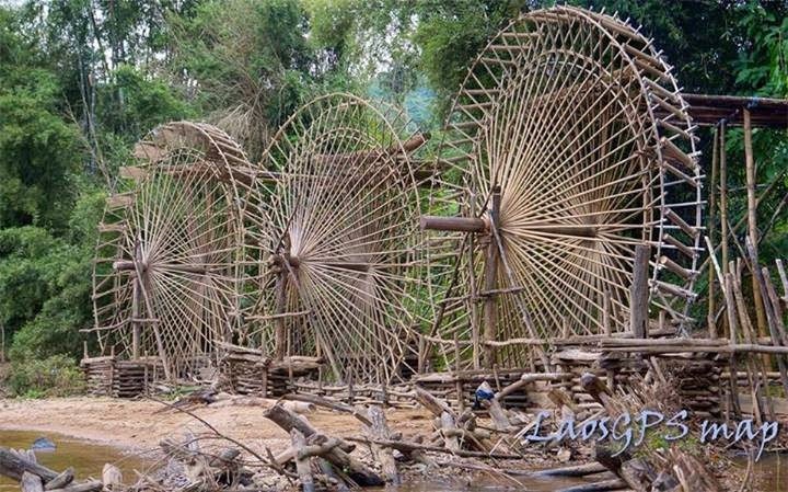 Giant Water Wheels in Huaphan
