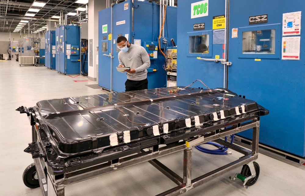 GM to source U.S.-based lithium for next-generation EV batteries