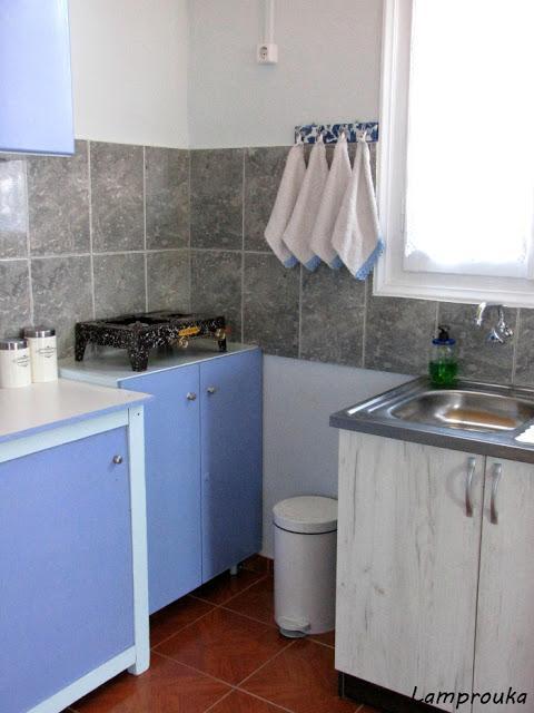 Ανακαίνιση εξοχικού η κουζίνα.