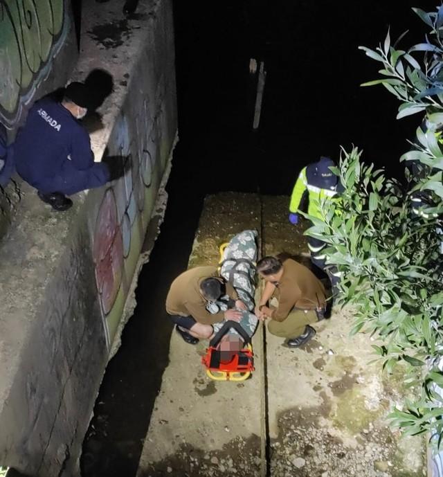 Carabineros rescata a hombre que se lanzó al río Calle Calle