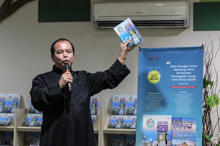 Direktur Penerbit dan Toko Rohani OBOR, RD FX Sutanto (foto: obormedia)