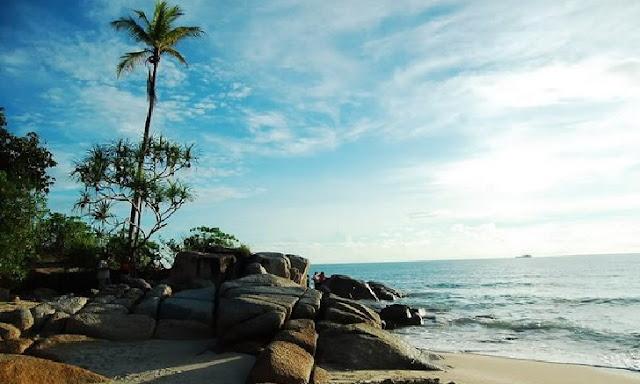 3. Pantai Pasir Padi