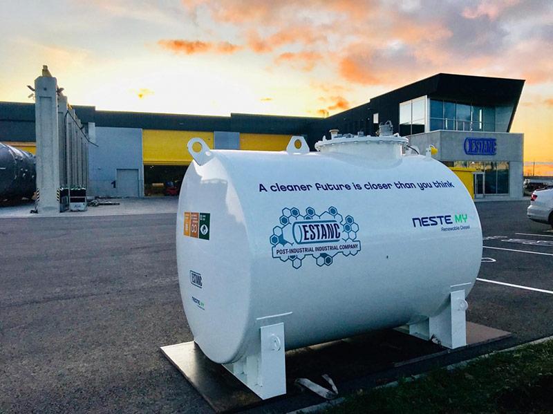 Năm 2015, Neste đã trở thành nhà sản xuất nhiên liệu tái tạo lớn nhất thế giới có nguồn gốc từ rác thải