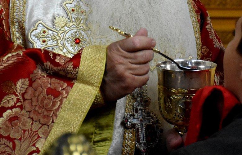 Κορονοϊός: Υποχρεωτικά με μάσκα στην εκκλησία - Εξαιρούνται οι ιερείς