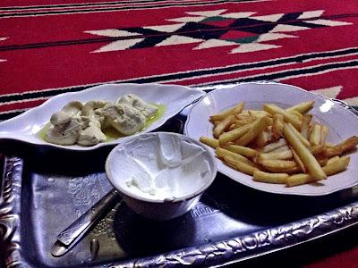 jedzenie w Jordanii wioska Wadi Rum