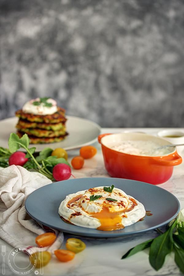 Polpete od brokolija i poširana jaja na turski način