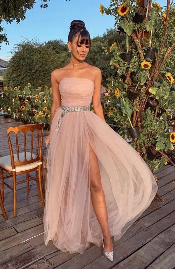 Rica de Marré vestido de festa rose casamento Carlinhos Maia com cinto de strass