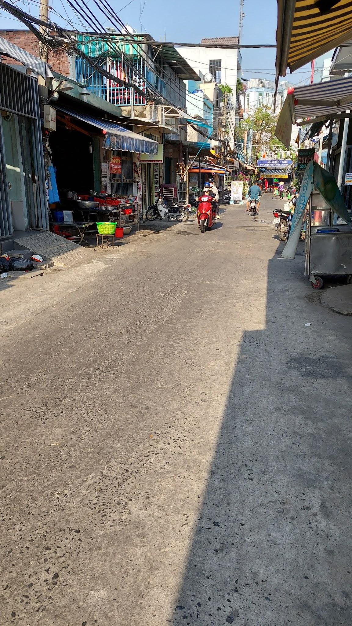 Bán nhà hẻm xe hơi Dương Bá Trạc phường 1 Quận 8 dưới 4 tỷ