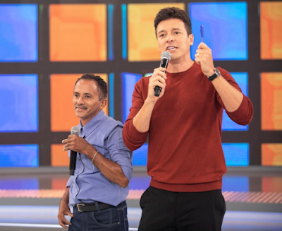 Manoel Gomes e Rodrigo Faro. Crédito: Edu Moraes/ Record TV