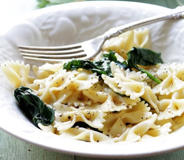 Creamy Garlic Butter Pasta with Spinach #dinner #pasta