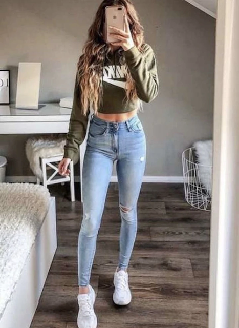 outfits con jeans y sueter