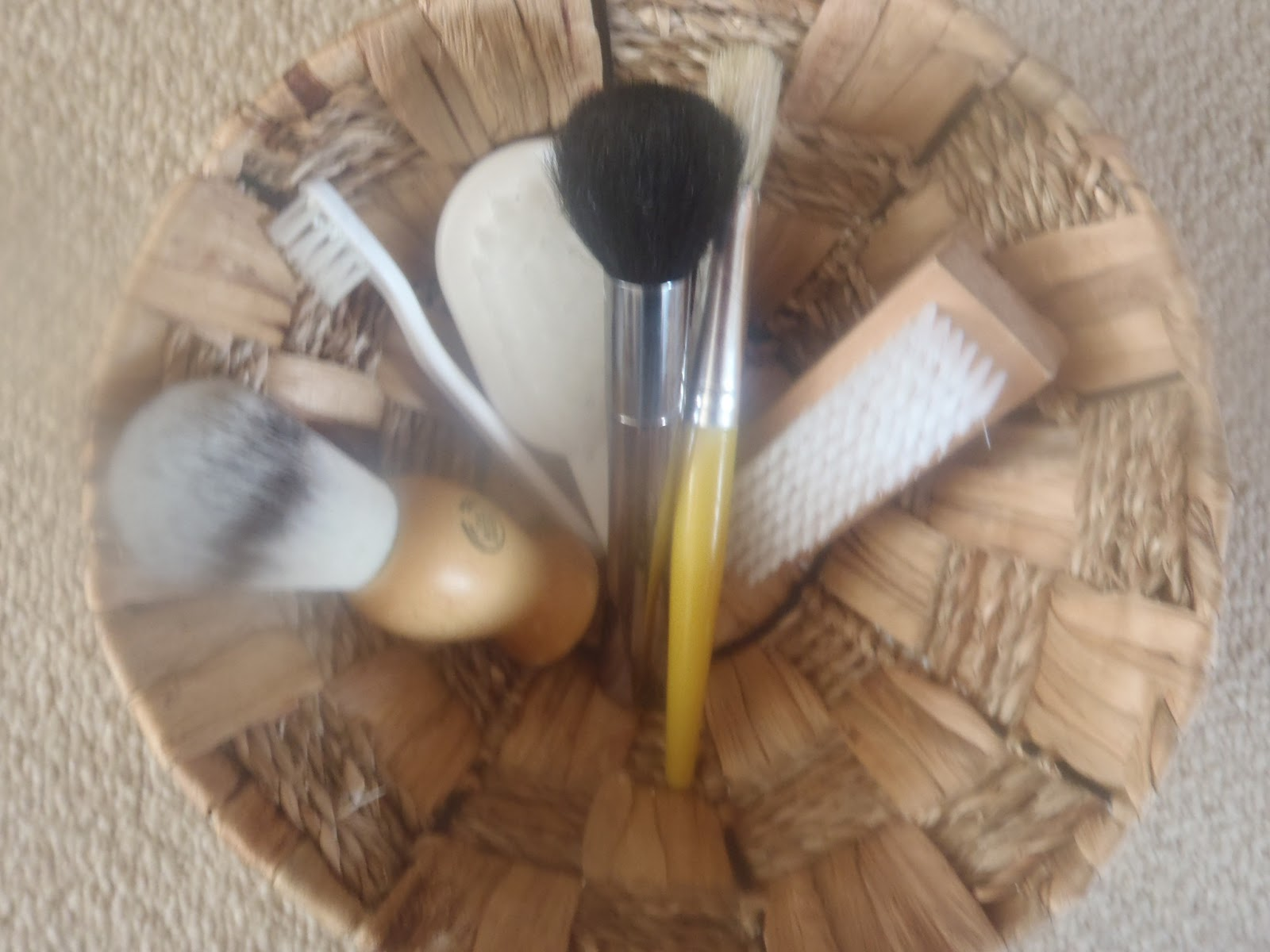 Very Messy Mummy Brush Treasure Basket