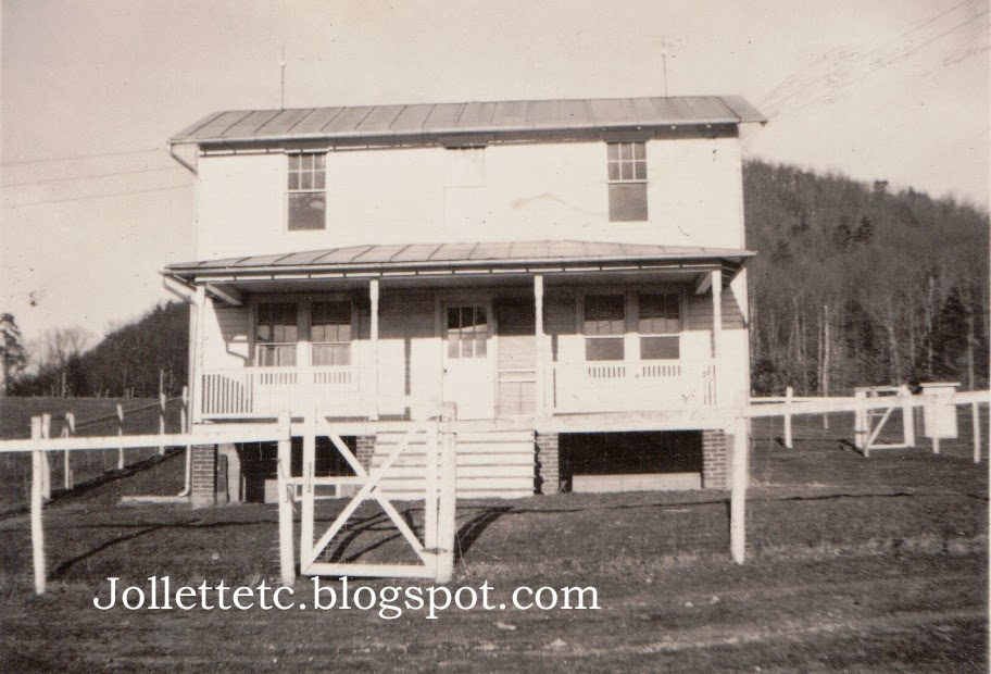 Farmhouse Bridgewater, Virginia mid-1940s http://jollettetc.blogspot.com