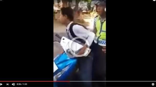 Saat Berangkat Ke Sekolah Ia Ditilang Polisi, Siswa : Kami Ini Penerus Bangsa Pak!
