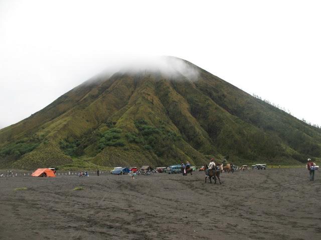 Mengulas Asal Usul Gunung Bromo, yang Sering Dianggap Masyarakat Gunung Angker