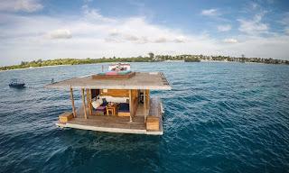 El primer hotel submarino del mundo.La habitación de hotel bajo el mar. Manta Resort.