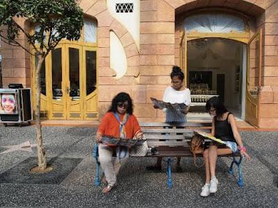 Tips Pengalaman Menjadi Travel Blogger dan Dosen Sangat Menyenangkan