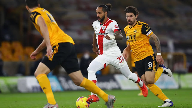 Southampton forward Walcott on the ball against Wolves