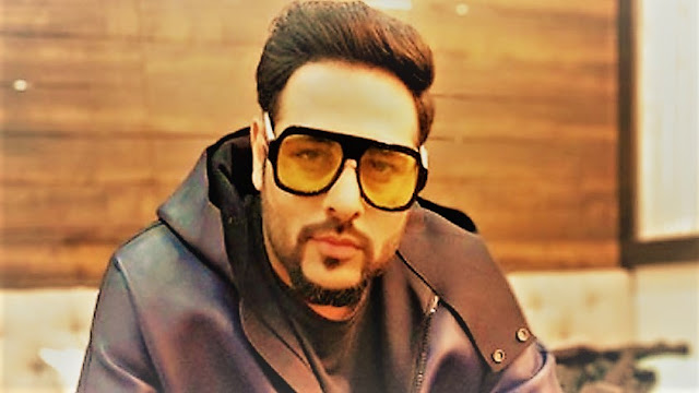 ladki pagal hai lyrics in hindi-Badshah-Indian Rapper
