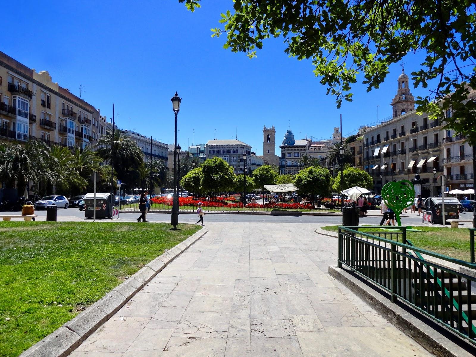 plaza valencia spain blue sky architecture