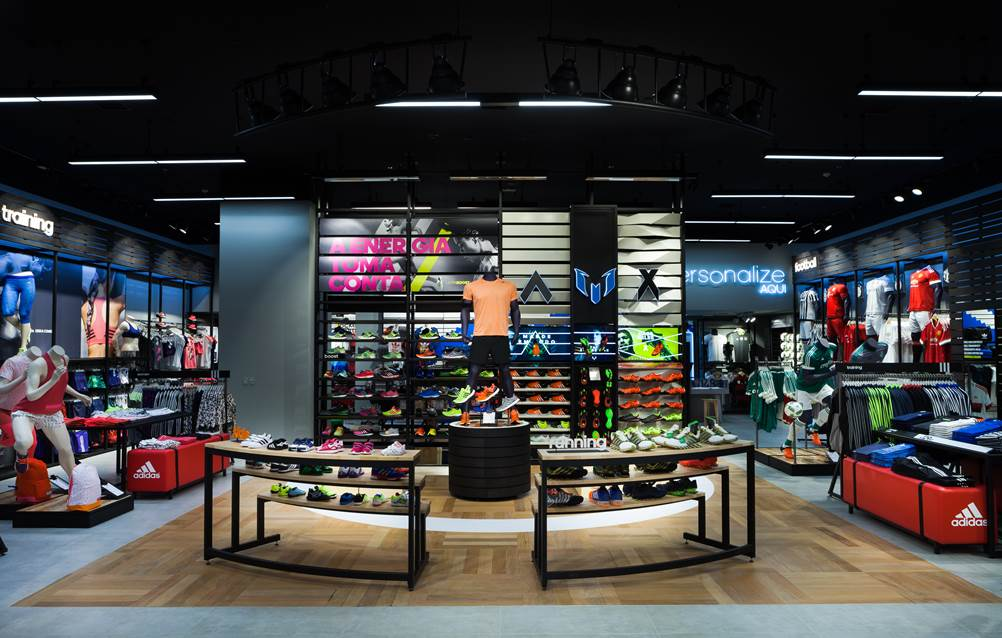 feba83e7f9858 A tão esperada loja da ADIDAS chega hoje no Joinville Garten Shopping.  Recriando uma atmosfera que lembra os grandes estádios