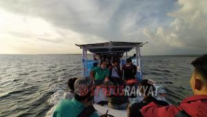 Lanjutkan Bimtek Hari Ketiga Komisioner KPU Susuri Pulau Kalao Toa