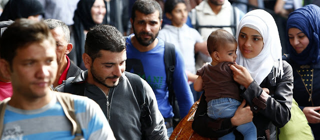 Κυβέρνηση: Επίδομα στους μετανάστες που ζουν πολλά χρόνια στην Ελλάδα