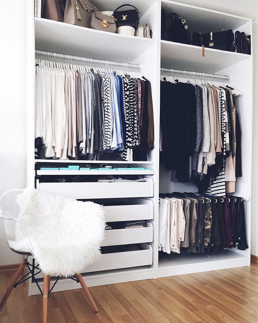 enseo con los vestidores abiertos me encantan pero es cierto que las prendas y bolsos se llenan de polvo y aunque para verlo en foto es genial - Vestidor Abierto
