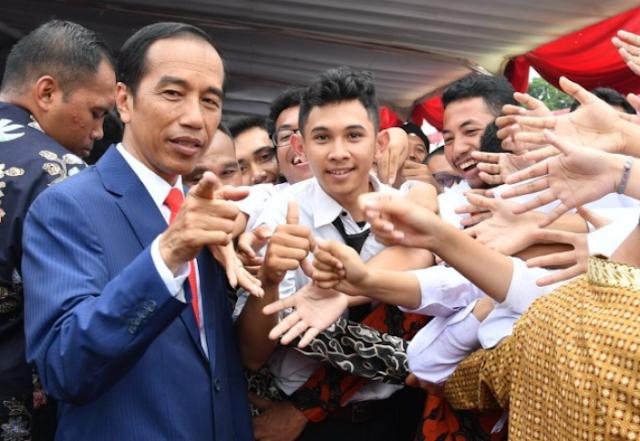 Jokowi Ingin Menteri Muda, TKN Usulkan Usianya 27 Sampai 35 Tahun