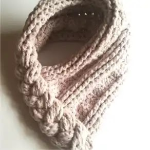 Cuello Trenzado a Crochet