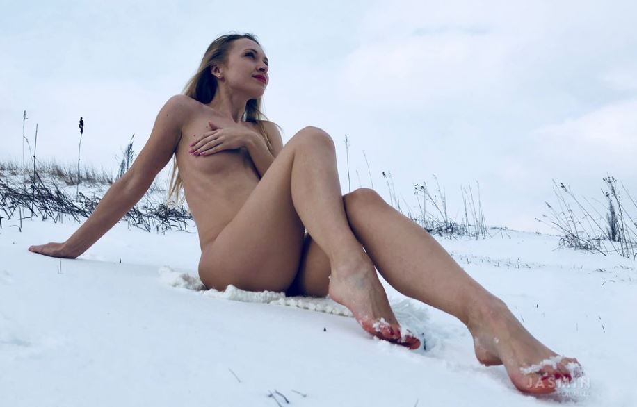 https://www.glamourcams.live/chat/SexualLee