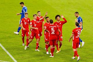 عملاق المالنيا بايرن ميونخ يفوز علي شالكه بنتيجه كبيره 8-0 الدوري الالماني