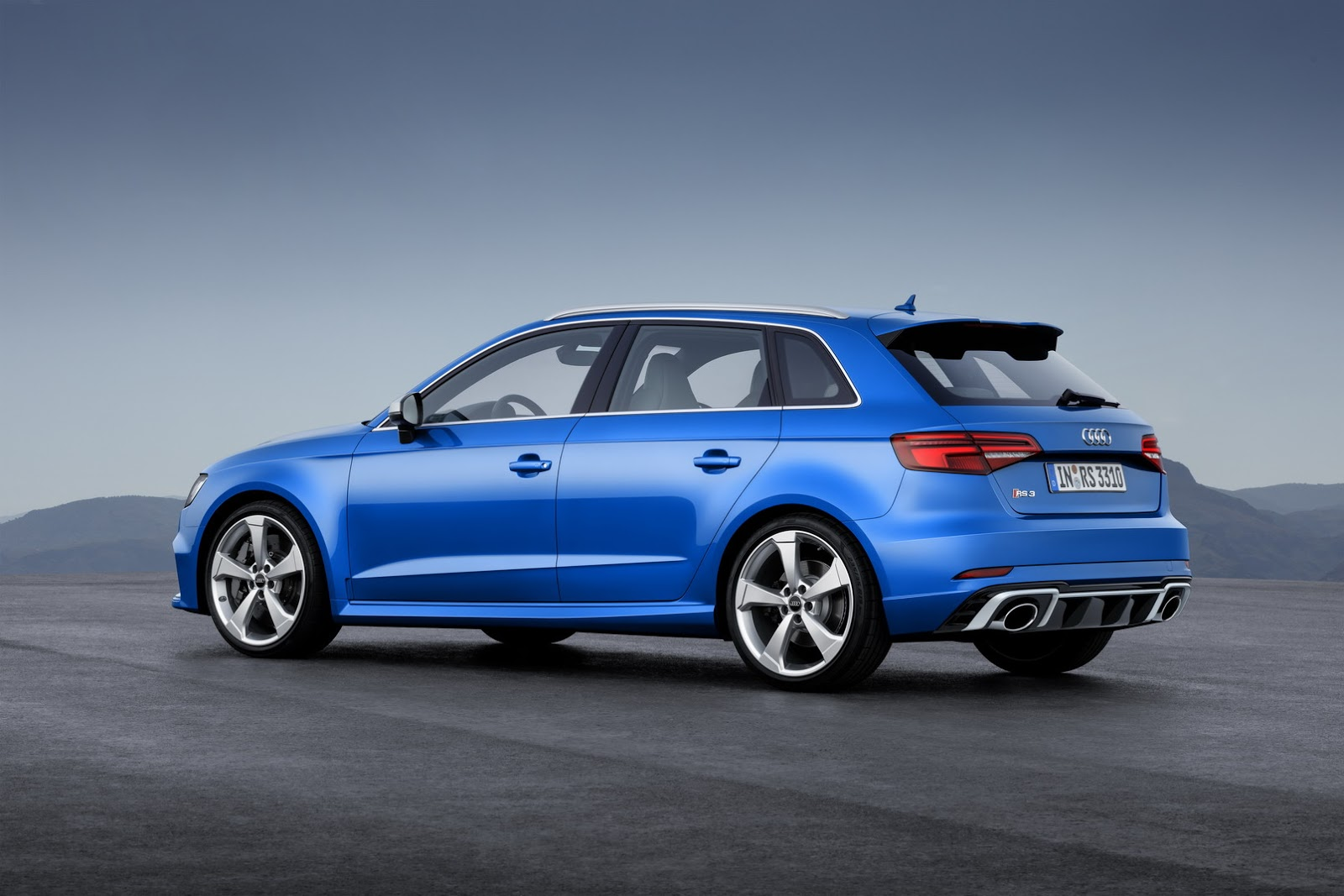 audi gives rs3 sportback a facelift and 400 horses. Black Bedroom Furniture Sets. Home Design Ideas