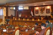 Praksi PDIP DPRD Bali Dukung Upaya Gubernur Menekan Penyebaran Covid-19