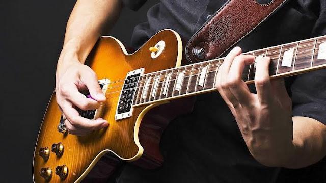 Kelebihan belajar pada Gitar Listrik